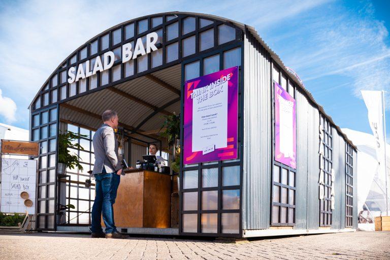 Een Salade bar in en Straight Romneyloods van Super Rentals BV
